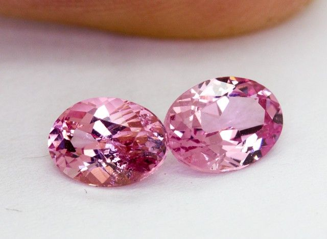 2 x 0.675Ct  Spinel High Quality Cutting