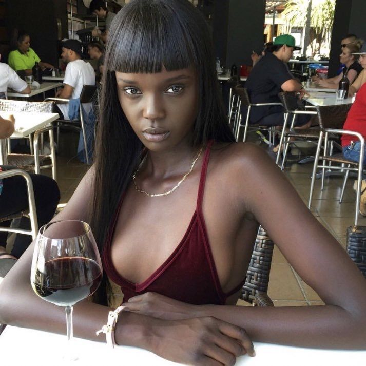 русская девушка и негритянка этому еще