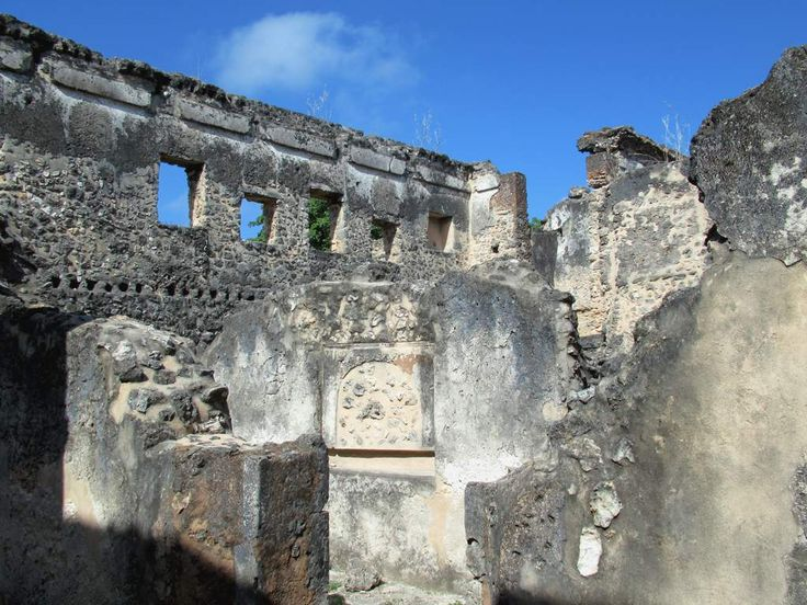 The 18th century Makutani Palace is one of the most impressive ruined buildings on Kilwa Kisiwani Island, Tanzania. The women of the sultan's family lived upstairs.