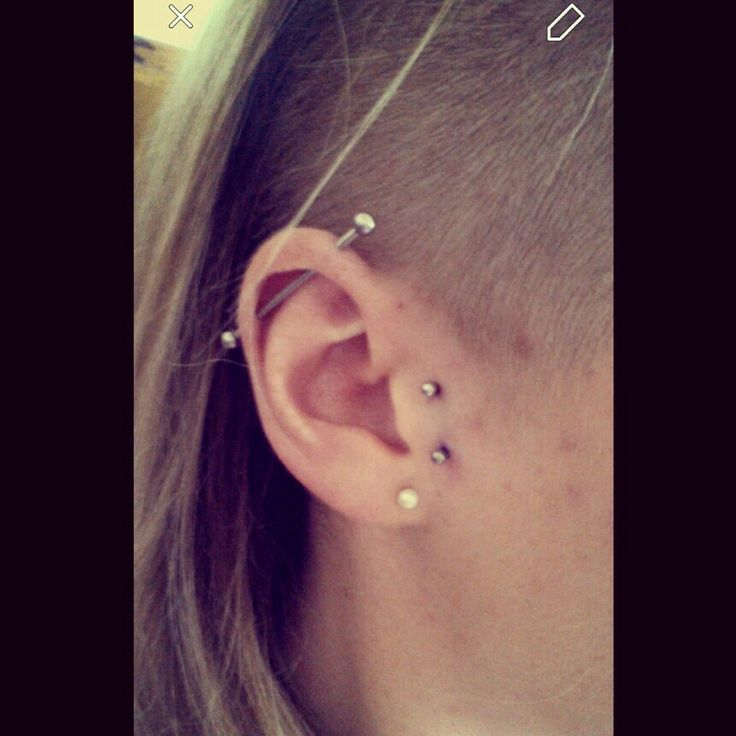 My tragus surface piercing :)