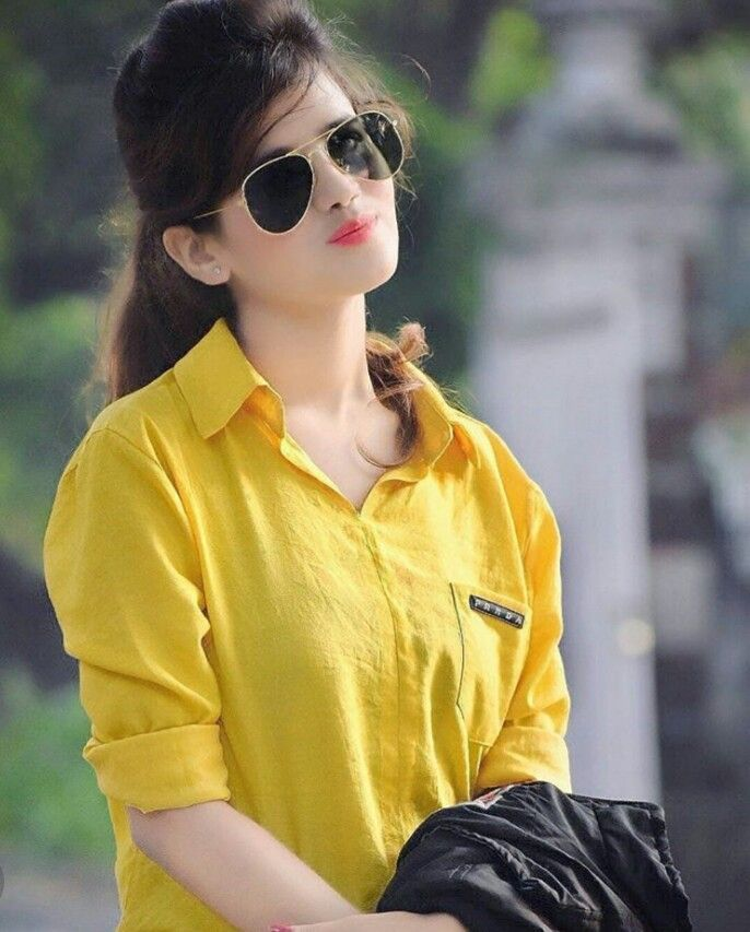 Very Beautiful and cute girl