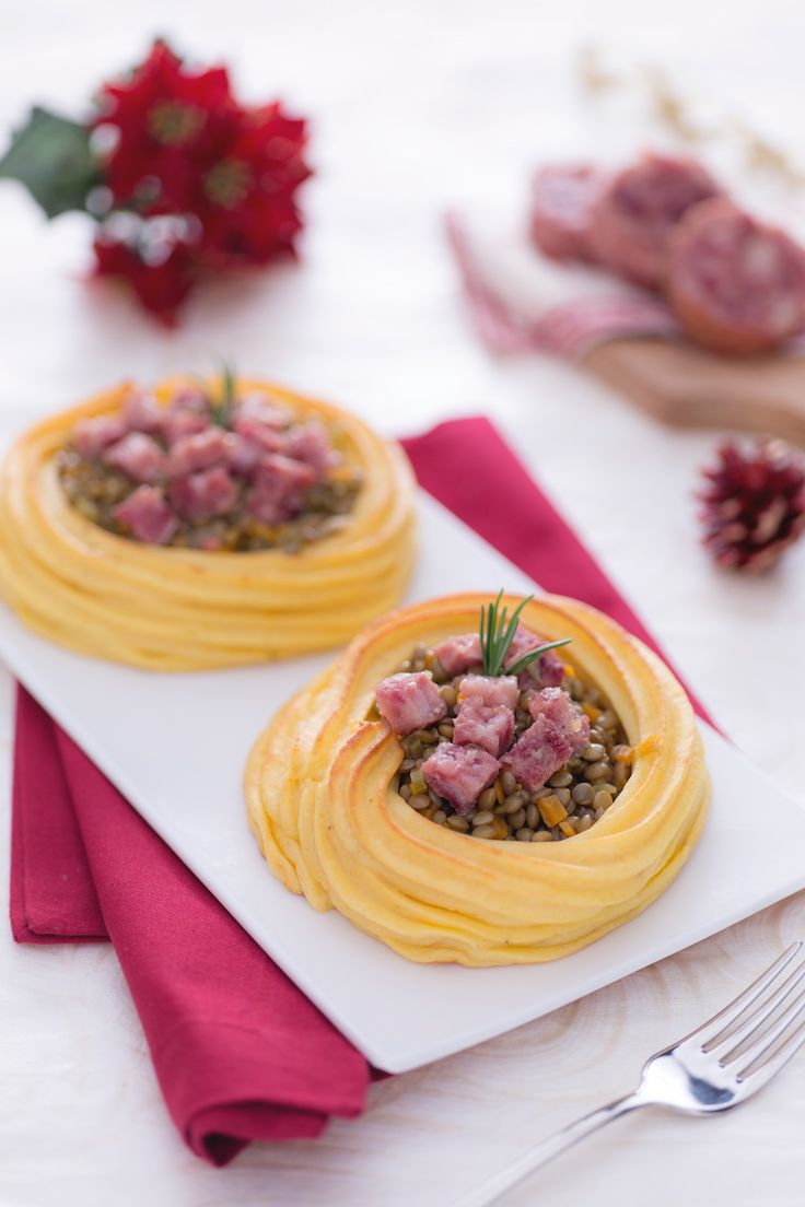 Nidi di patate con lenticchie e cotechino: un'alternativa sfiziosa e originale al classico piatto di Capodanno! [Potato nest / basket with cotechino and lentils]