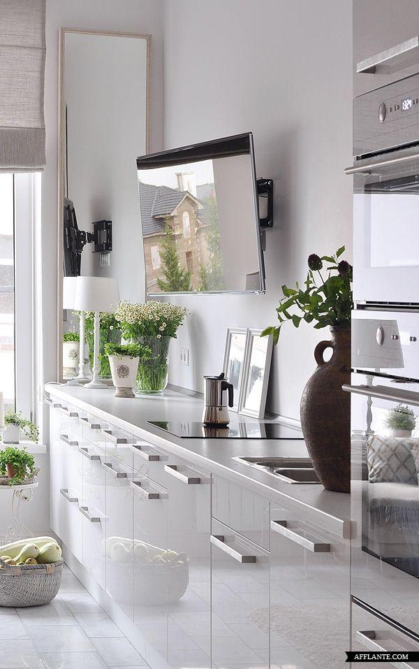 Mejores 34 im genes de cocinas con espejos en pinterest for Cocinas con espejos
