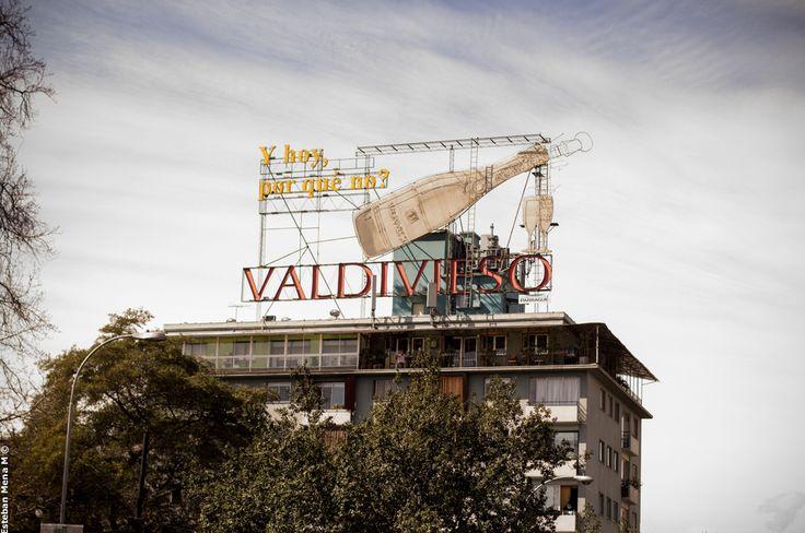 Letrero Valdivieso en Parque Bustamante, Santiago de Chile