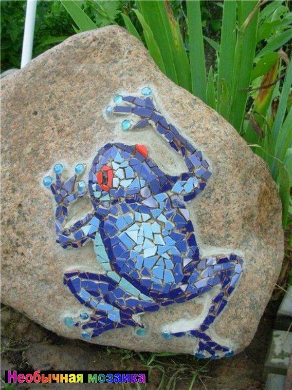 мозаика на камнях, мозаика на камне, декор камней, декорированные камни, камни украшенные мозаикой, идеи для сада, камни арт, камни дизайн, камни с мозаикой,