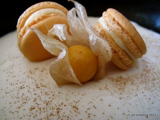 Yuzu'll love these macarons on a yuzu cheesecake: Macaroons, Yuzu L, Parisians Fashion, Yuzu Cheesecake Macaron Decor