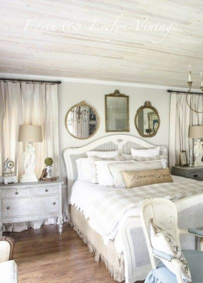 35 Charming French Country Bedroom Decor That'll Inspire You