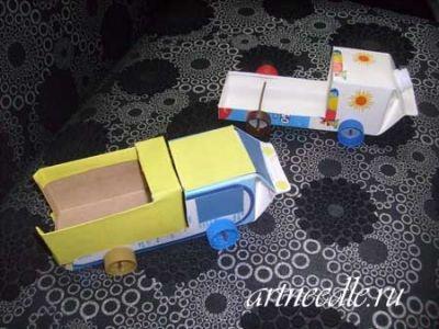 Машины из коробок