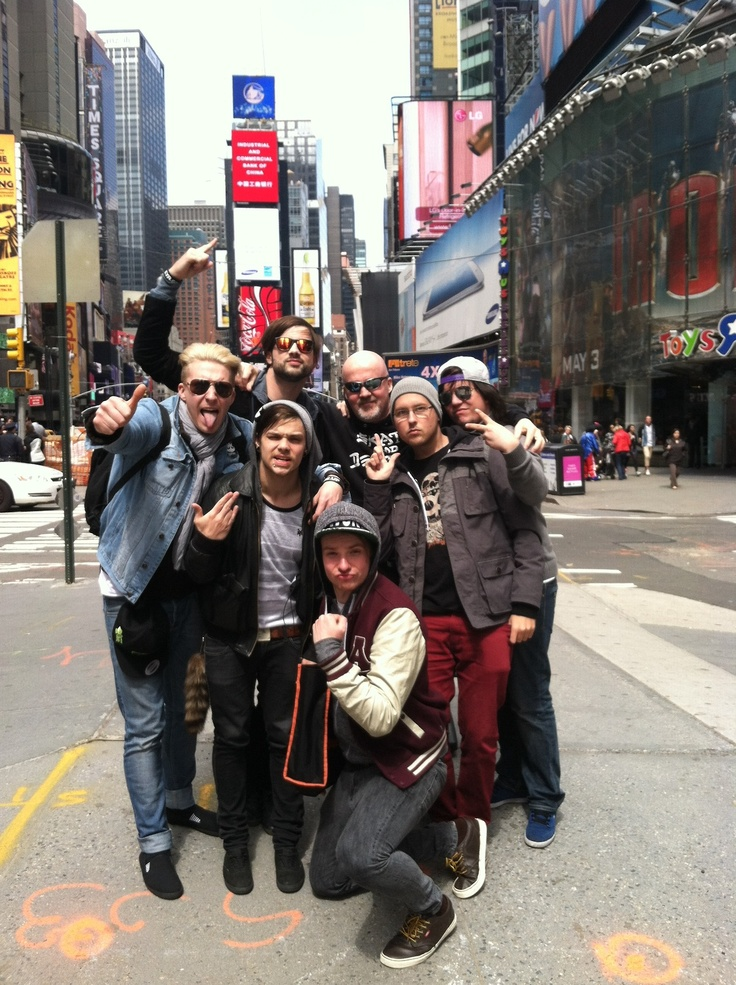 Times Square vs. Eskimo Callboy - A no holds barred fight to the death!