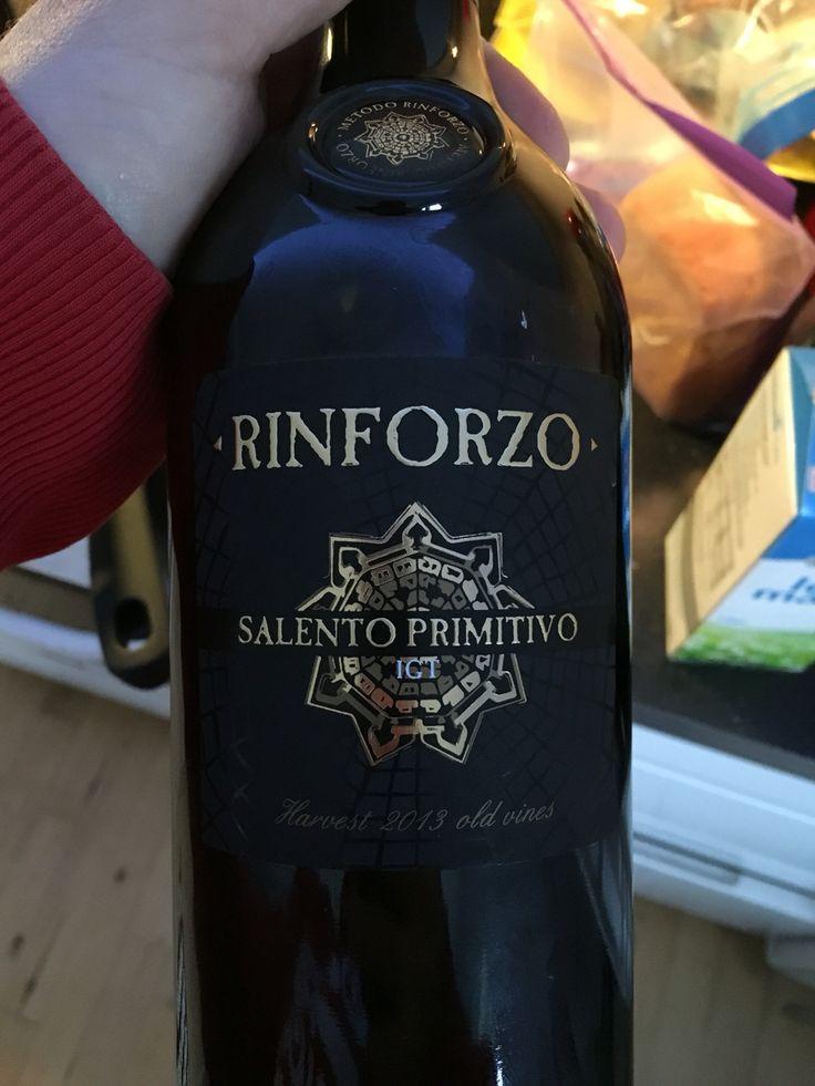 Rødvinen fra naboen Salento primitivo Rinforzo 2013 Italien