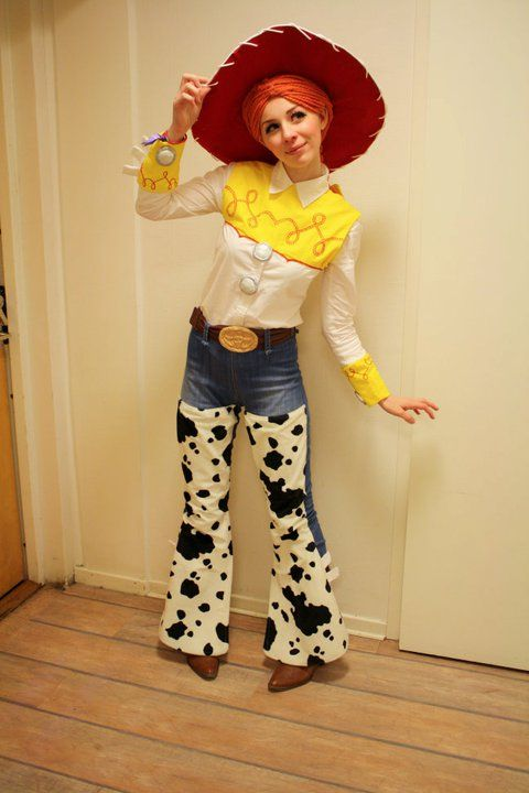 Roughest, toughest cowgirl in the Wild, Wild, West! - Fantastic Jessie cosplay