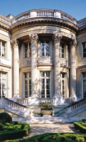Limestone classic style home