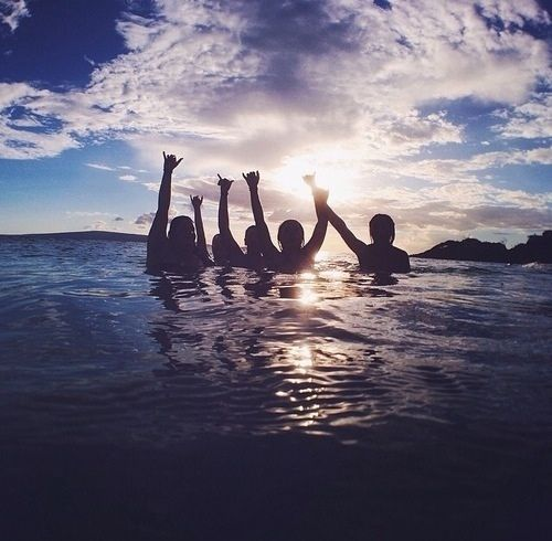 Swimming in the ocean with your friends is the best thing about the beach‍❤️‍
