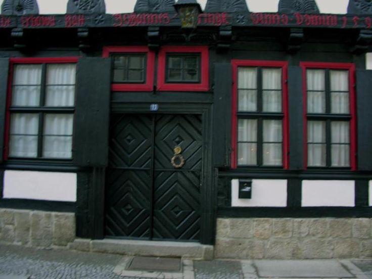 4 Zimmer, Küche, marmorgefliestes Bad mit Badewanne und Dusche, möblierbarer Korridor,...,schöne Wohnung in Fachwerkhaus Nähe Marktplatz in Sachsen-Anhalt - Quedlinburg