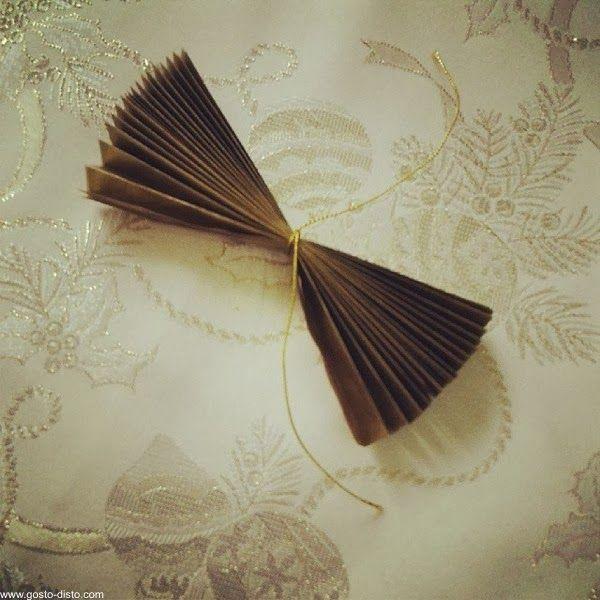 Flor de papel de seda para enfeitar embrulhos de presentes (P.A.P. - D.I.Y.)
