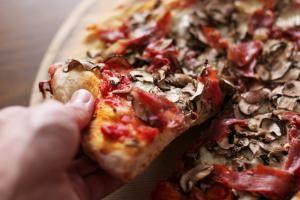 Classic Italian Toppings: Ideas for Homemade Pizza: Pizza Prosciutto e Funghi: Prosciutto and mushrooms
