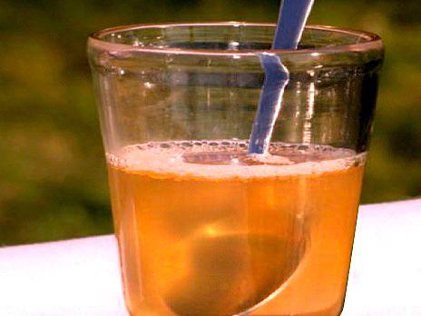 Kvällsdryck med smak av honung och citron | Recept.nu