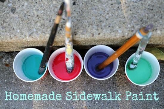 An easy sidewalk paint recipe for your kids to make art in the great outdoors!