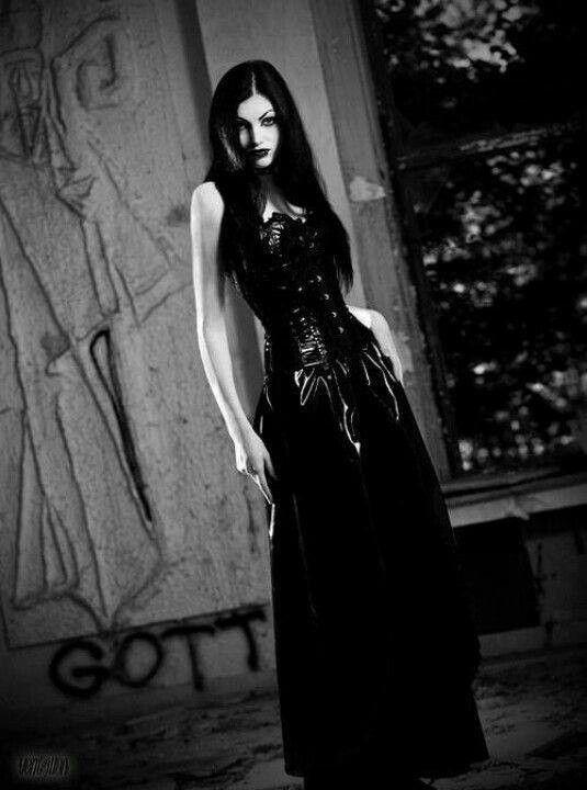 Goth gothic sexy dark ladies in black women