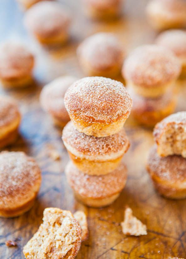 Cinnamon Sugar Mini Donut Muffins - Baked mini muffins that taste like real mini donuts but way healthier and so good!