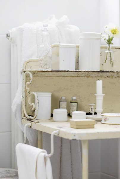 141 best images about old wash stands on pinterest for French shabby chic bathroom ideas