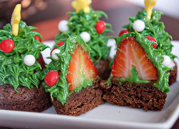 tree brownies with a strawberry in the middle: Holiday, Ideas, Food, Strawberries, Recipes, Christmas Tree Cupcakes, Christmas Trees, Dessert