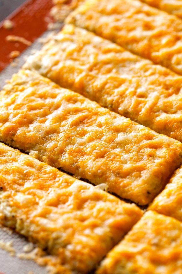 Skinny Points – Recipes  » Cheesy Garlic Cauliflower Bread Sticks