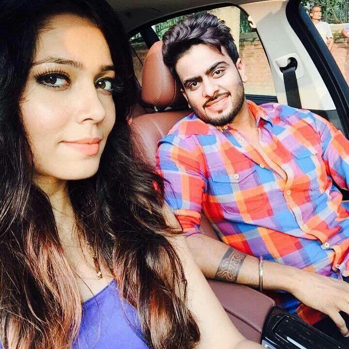 Mankirt Aulakh with Model ♢♢JUGAADI JATT♢♢Song Singer
