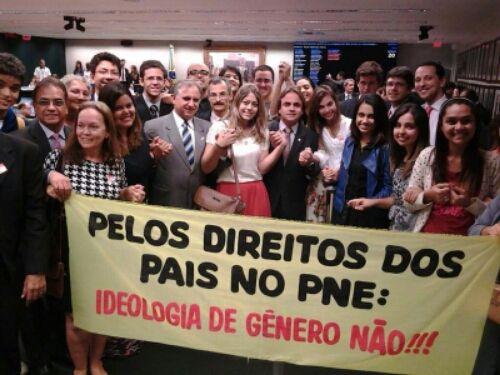 Ideologia de gênero varrida do PNE. Deo Gratias!