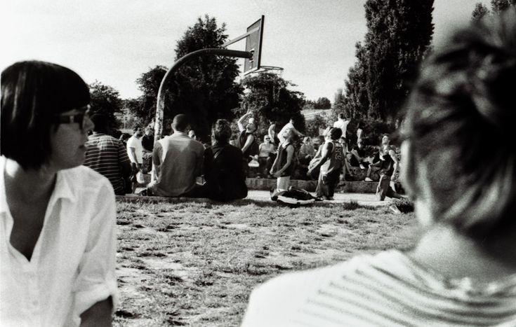 Basketball @ Berlin Mauerpark, Bearpit Mauerpark Karaoke, Music Event  http://objektivaufunendlich.de/2011/10/berlin-mauerpark-karaoke/