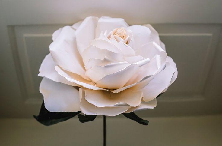giant flower bouquet, paper bouquet