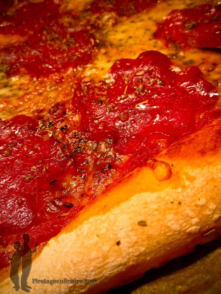 Pizza au salami   Piratage Culinaire