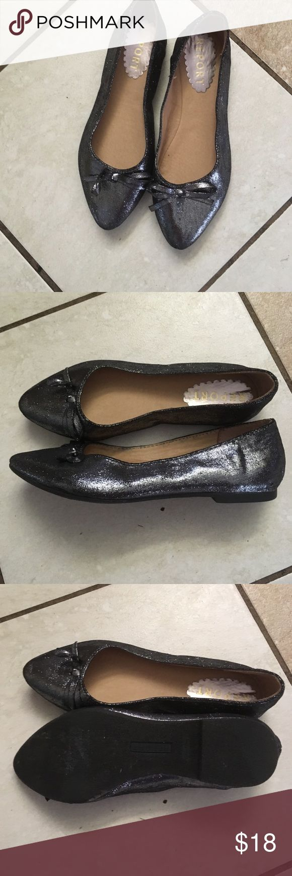 Report flats Cute flats in great condition Report Shoes Flats & Loafers