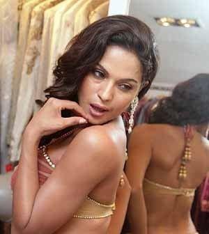 Veena Malik : To be a supermodel