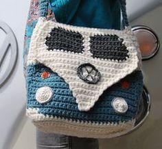 Campervan_shoulder_bag_wearing_it_view_small crochet Volkswagen VW purse handbag