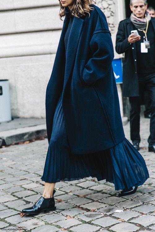 Navy Monochrome - Pleated Midi Skirt - Black Patent Leather Shoes - Fashion Week - Street Style - Streetwear - Outfits - Looks - Womenswear - Ko For Kolor Tumblr http://koforkolor.tumblr.com/