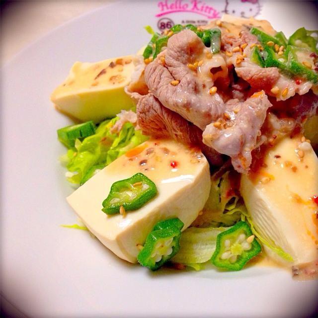コクがあるので充分おかずになります。たっぷりの野菜とタンパク質が摂れるので、これだけでもOK( ^ω^ ) - 30件のもぐもぐ - 豆腐とオクラの冷しゃぶサラダ by micciewaori