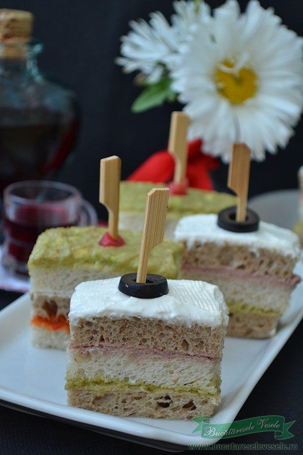 Mini Sandwichuri festive, un aperitiv rapid de pregatit si gustos.Aperitiv festiv cu ingrediente simple.Aperitive reci.Aperitive rapide.Gustari