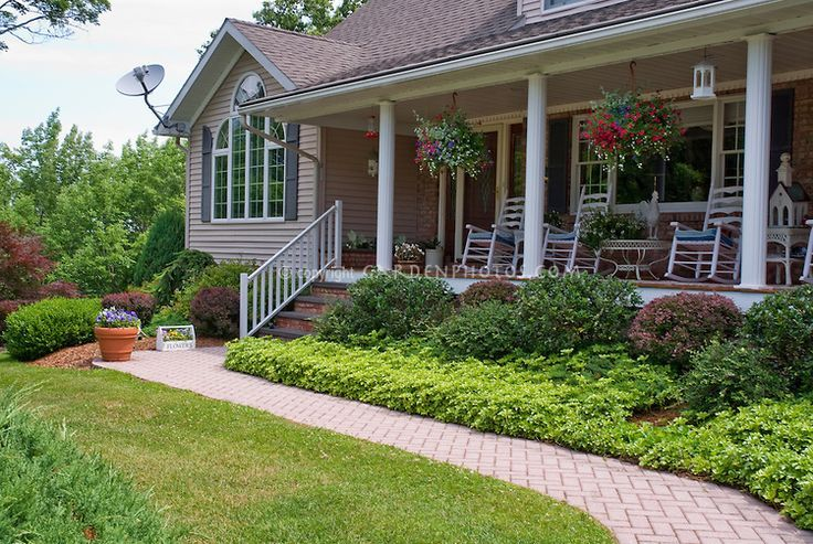 9 best images about front porch ideas on pinterest front for Front porch landscaping ideas