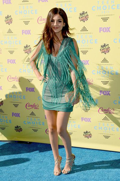 Victoria Justice Photos - Teen Choice Awards 2015 - Arrivals - Zimbio