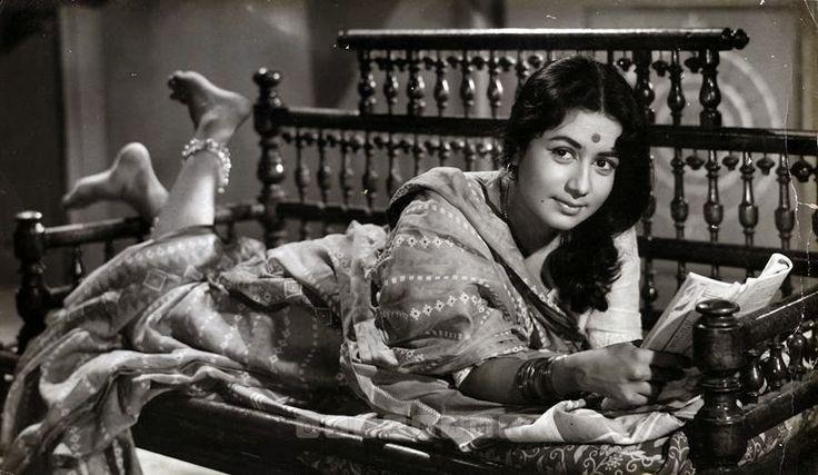 Indian Hindi Movie Actress Nanda - c1960-70's - Old Indian Photos