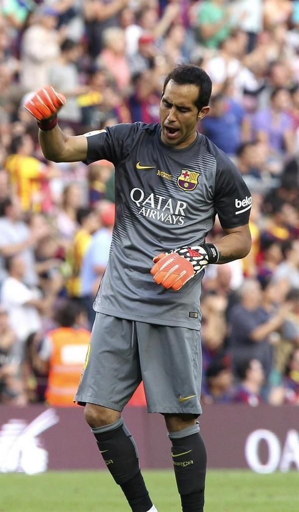 Claudio Bravo. 6 league matches, 6 clean sheets. Goals against: 0. La Liga, Week 6, 27 September 2014   For the first time in history, Barcelona have started a season without conceding any goal in their first 6 Liga games Expand