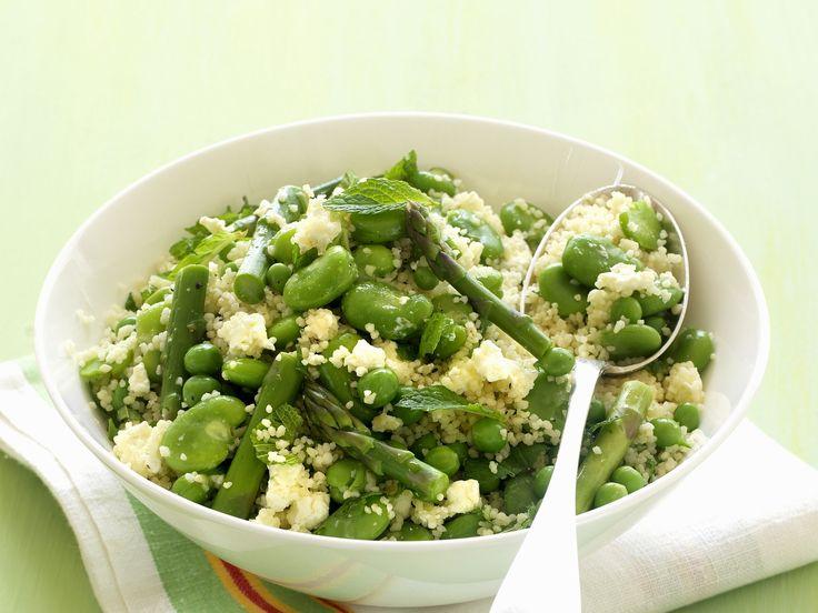 Couscous mit grünem Gemüse | Zeit: 30 Min. | http://eatsmarter.de/rezepte/couscous-mit-gruenem-gemuese
