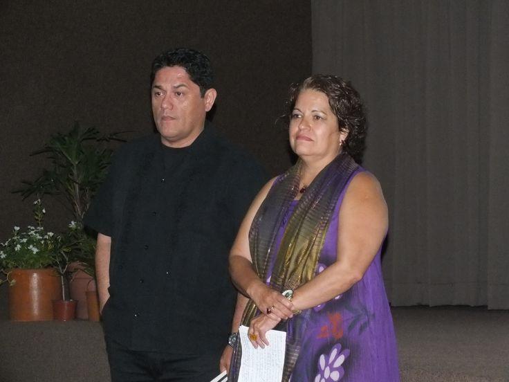 Oscar Reyes y Dra Libertad Diaz Molina impartiendo la conferencia de Vulnerabilidad Social cancunense