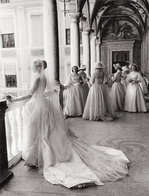 grace kelly and her bridesmaids - april 19, 1956 - photo by howell conant