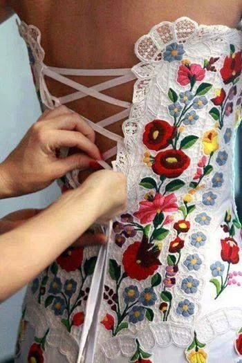 Wedding gown decorated with Hungarian embroidery, gorgeous!