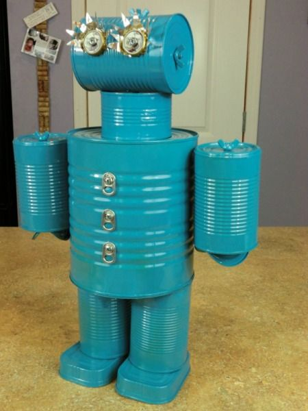 Photo of the finished robot.