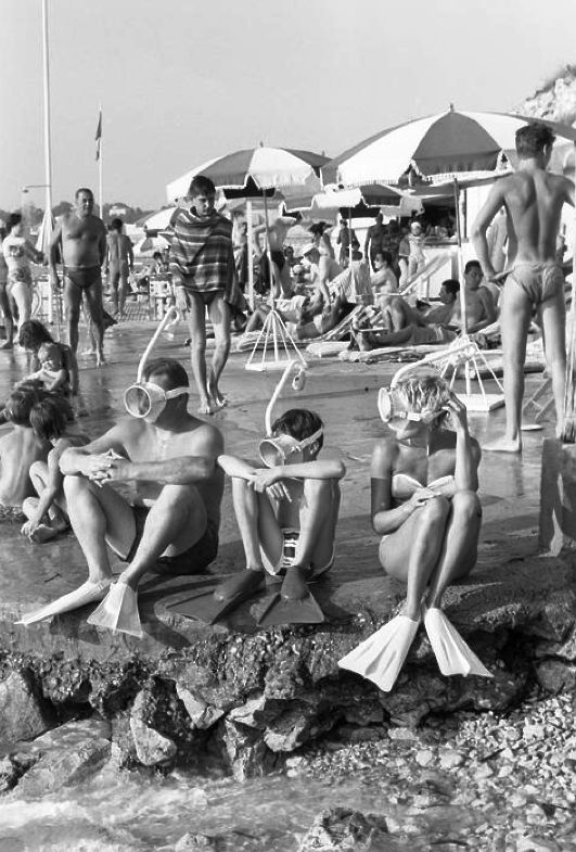 Côte d'Azur 1958 Photo: Jack Garofalo vintage beach