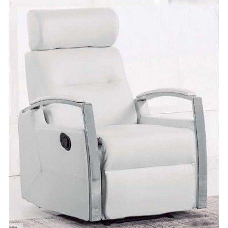 Sillón Relax muy elegante que quedará perfecto en cualquier rincón de la casa, es un sillón muy cómodo. Está disponible en tres colores: blanco, negro y marrón chocolate. Bonitos reposabrazos cromados y tapizados a juego.
