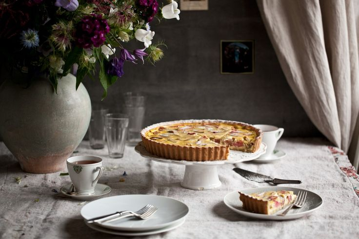 Francouzský rebarborový koláč | KITCHENETTE